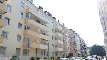 IMMOBILIENMENSCHEN – Sonnige DG-Wohnung mit offenem Dachstuhl !!! 81369 München (Sendling-Westpark), Dachgeschosswohnung