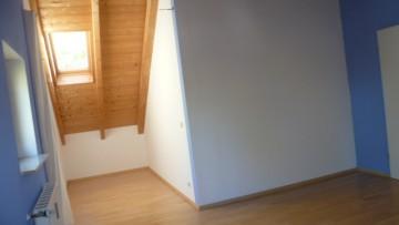 IMMOBILIENMENSCHEN – 2-Zi.-DG-Whg. mit Wohnküche – Erstbezug nach Renovierung in Alt-Riem 81829 München (Trudering-Riem), Dachgeschosswohnung