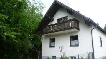 IMMOBILIENMENSCHEN – Einfamilienhaus mit Ausbau-Potential in Taufkirchen/Vils!!! 84416 Taufkirchen (Solching), Einfamilienhaus