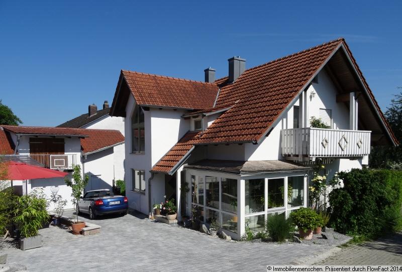 immobilienmenschen schickes gut ausgestattetes einfamilienhaus n he landshut. Black Bedroom Furniture Sets. Home Design Ideas
