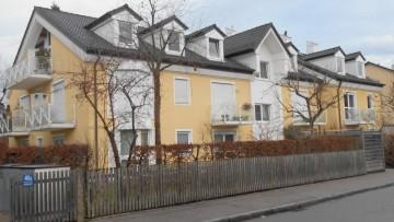 IMMOBILIENMENSCHEN – Mitten in Waldtrudering – Kleine DG-Wohnung ohne Balkon!!! 81827 München (Trudering-Riem), Dachgeschosswohnung