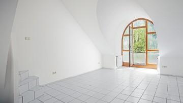 Sonnige 3 Zi. DG-Wohnung + Galerie mit 2 Balkonen S/W-Ausrichtiung und Seeblick! 82319 Starnberg, Dachgeschosswohnung